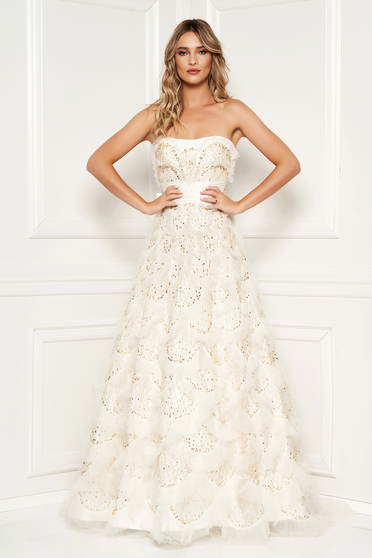 Sherri Hill luxurious white lace dress with crystal embellished details