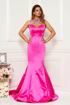 Sherri Hill pink dress with push-up cups from satin fabric texture luxurious mermaid cut bare back