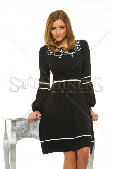 LaDonna Cleavage Roses Black Dress