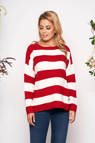 Casual knitted easy cut red sweater