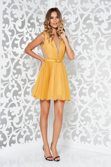 Ana Radu mustard yellow occasional cloche dress accessorized with tied waistband