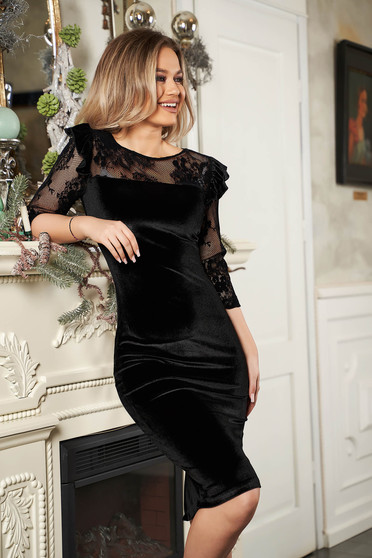 Pencil elegant black dress with velvet and laced
