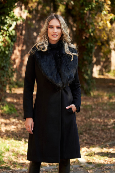 LaDonna black elegant coat with inside lining fur collar