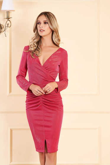 Pink dress occasional with inside lining from shiny fabric with v-neckline