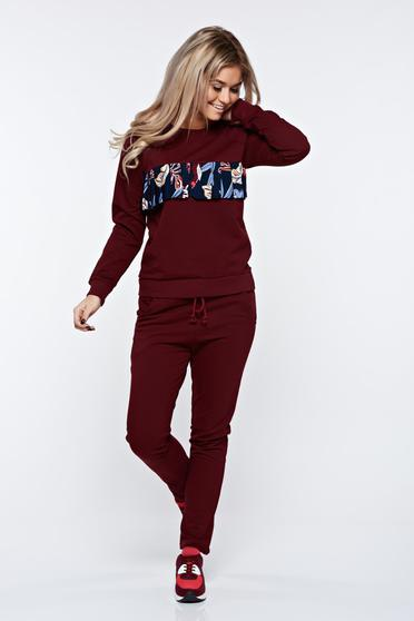 Burgundy set cotton with pockets is fastened around the waist with a ribbon casual