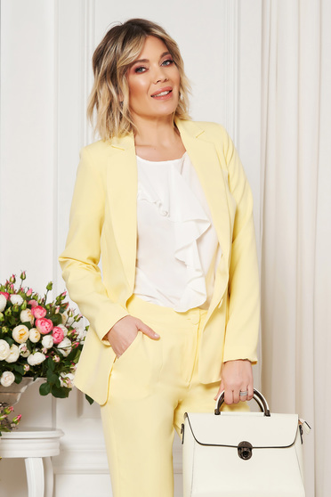 Yellow jacket with inside lining office from non elastic fabric arched cut