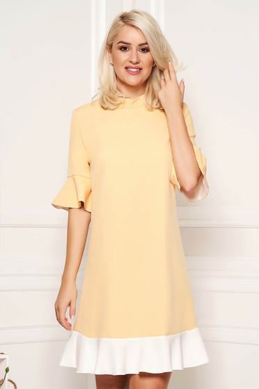 PrettyGirl yellow elegant dress with easy cut slightly elastic fabric with metalic accessory