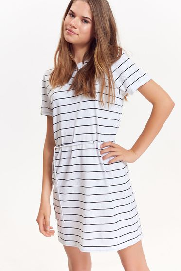 Top Secret white dress casual cotton is fastened around the waist with a ribbon with easy cut
