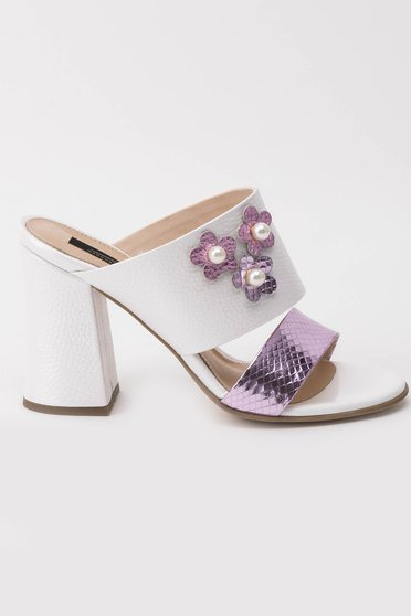White sandals elegant natural leather chunky heel with small beads embellished details