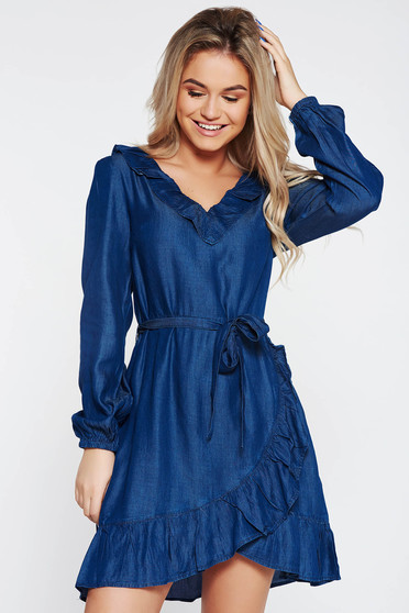 Top Secret blue dress casual flared denim with v-neckline accessorized with tied waistband