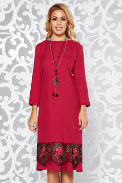 Fuchsia elegant flared dress slightly elastic fabric with lace details accessorized with chain