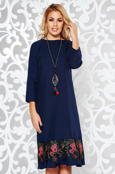Darkblue elegant flared dress slightly elastic fabric with lace details accessorized with chain