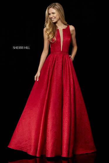 Occasional luxurious long evening dresses