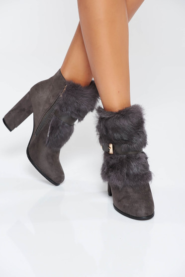 Grey casual ankle boots buckle accessory with faux fur details
