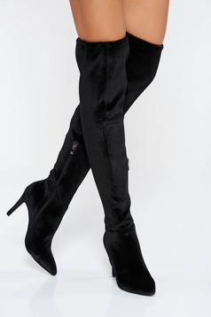 Black boots from velvet fabric slightly pointed toe tip