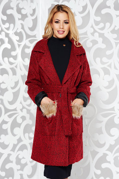 Red casual cloth coat with inside lining with pockets accessorized with tied waistband with faux fur details