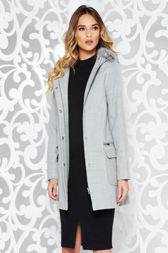 Grey casual coat from thick fabric with straight cut with undetachable hood