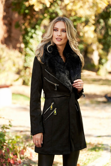 Black casual trenchcoat from velvet fabric with inside lining fur collar
