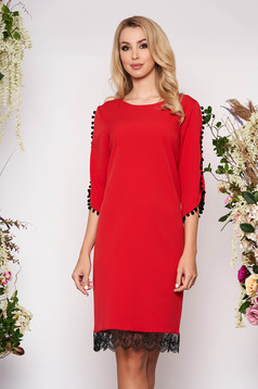 Red elegant straight dress slightly elastic fabric with lace details with tassels