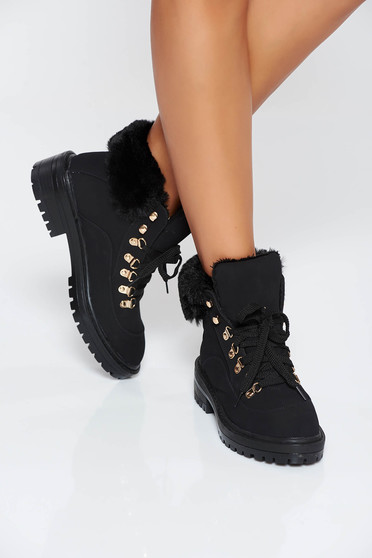 Black casual tramper from ecological leather with faux fur lining with lace