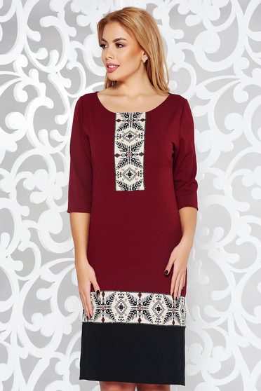 Burgundy straight office dress from elastic fabric with 3/4 sleeves