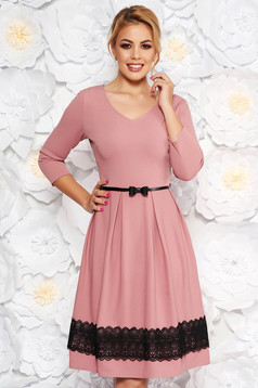 Rosa elegant cloche dress with v-neckline knitted lace accessorized with belt
