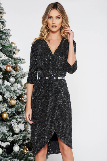 Fofy black occasional 3/4 sleeve dress with a cleavage with bright details accessorized with tied waistband