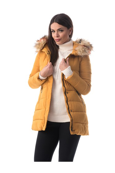 Mustard jacket from slicker with inside lining with faux fur accessory