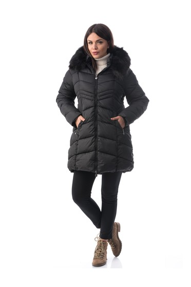Black jacket from slicker with inside lining with faux fur accessory with pockets