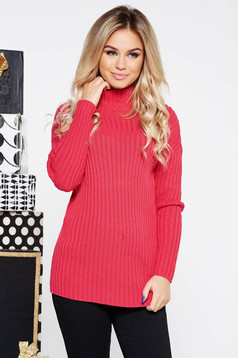 Pink casual sweater with turtle neck with tented cut knitted fabric