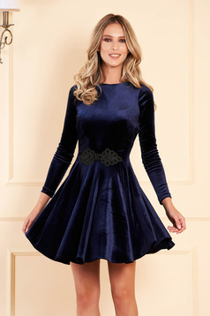 Artista darkblue dress from velvet with embroidery details cloche occasional