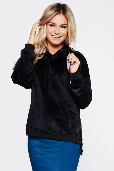 SunShine black casual coat from velvet fabric with easy cut with laced details with undetachable hood