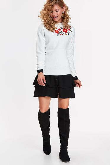 Top Secret white casual flared sweater from soft fabric with embroidery details