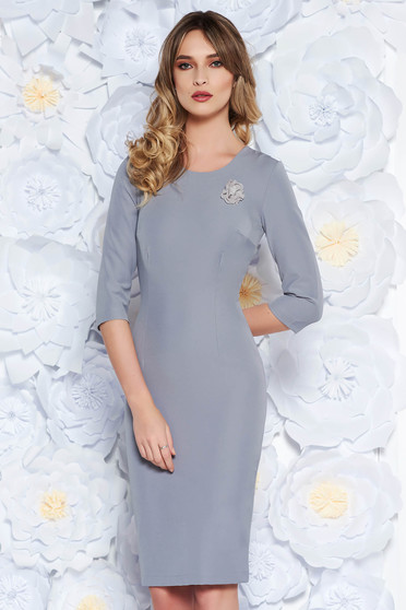 StarShinerS grey dress elegant midi pencil slightly elastic fabric accessorized with breastpin