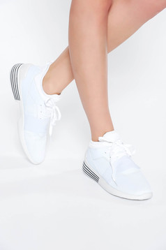 White casual low heel sneakers with lace