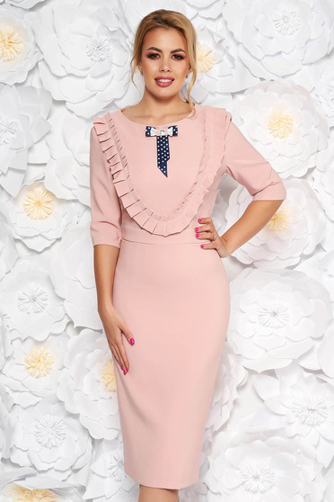 LaDonna rosa dress elegant pencil slightly elastic fabric with inside lining accessorized with breastpin