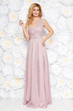 Ana Radu lightpink luxurious dress with inside lining accessorized with tied waistband shimmery metallic fabric cloche