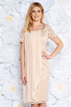 Cream occasional pencil dress laced with inside lining with bright details from veil