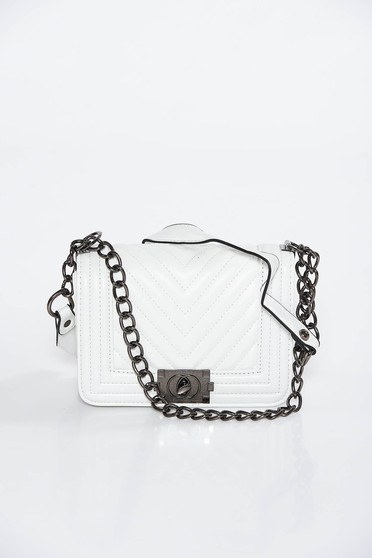 White casual bag long chain handle from ecological leather
