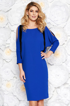 Blue elegant dress with straight cut thin fabric both shoulders cut out