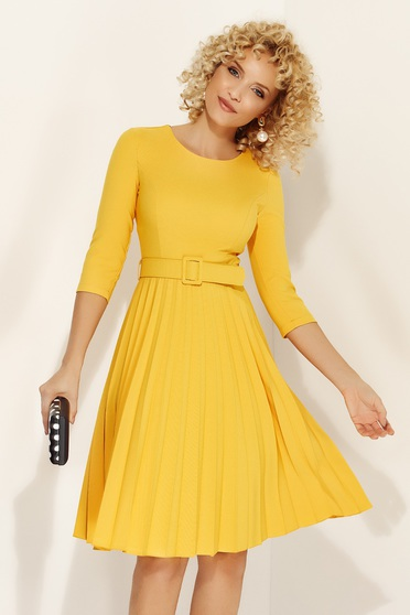 Fofy yellow elegant folded up cloche dress accessorized with tied waistband slightly elastic fabric