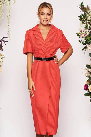 Coral daily midi dress with tented cut slightly elastic fabric accessorized with belt