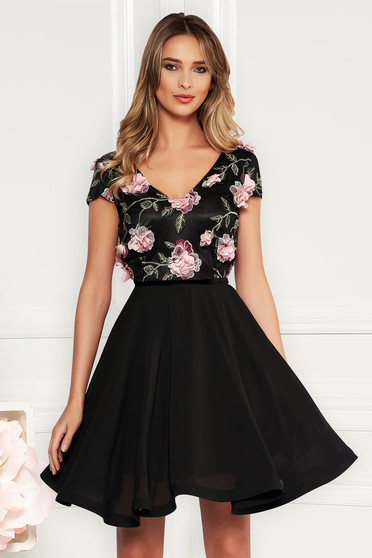 StarShinerS black occasional cloche dress voile fabric with v-neckline embroidered with floral details with 3d effect