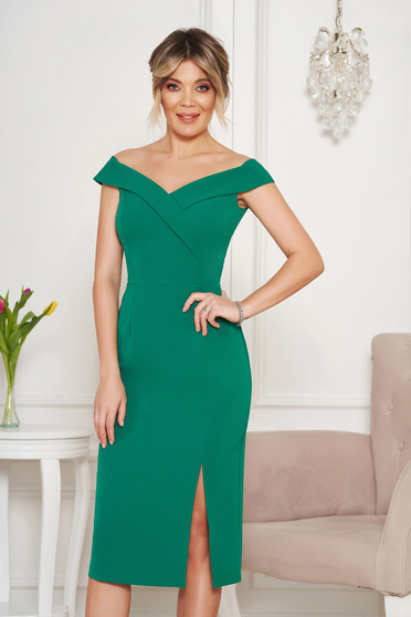 StarShinerS green occasional dress with tented cut with v-neckline on the shoulders