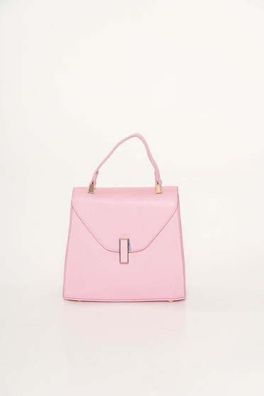 Lightpink casual bag from ecological leather with metalic accessory