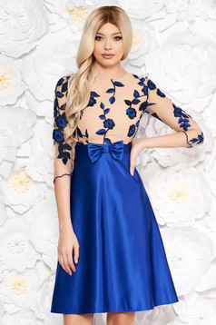 Blue dress with bow with floral prints flaring cut