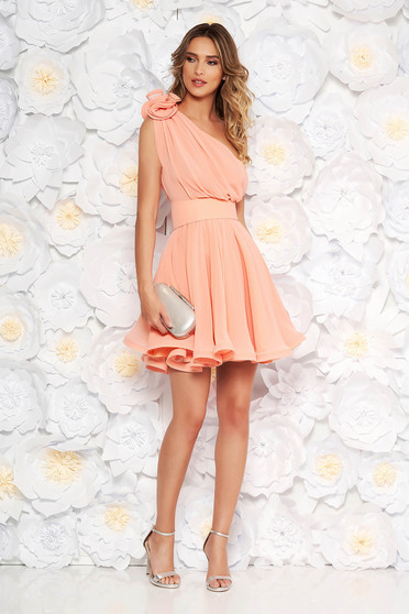 Ana Radu peach dress luxurious from veil fabric with inside lining cloche accessorized with tied waistband