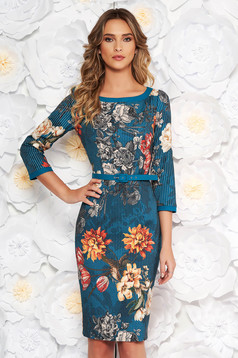 Turquoise elegant pencil dress with floral prints accessorized with belt