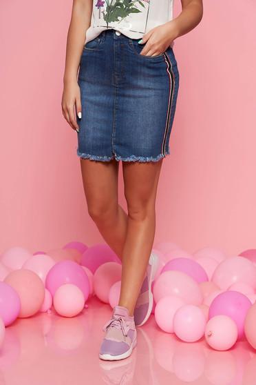 Top Secret blue straight denim skirt with medium waist