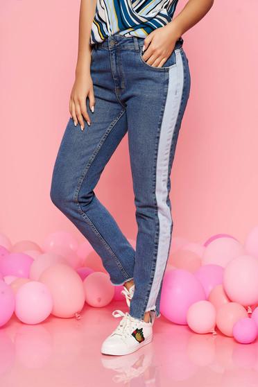 Blue jeans conical with medium waist denim